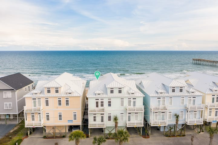 New Listing! Oceanfront Oasis w/ Sparkling Pool
