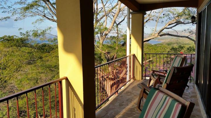 Conchal ocean view condo 6 people 2 bedrooms