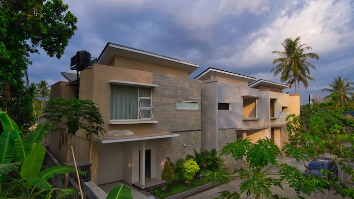 Private Pool Suite close to Beach in Lombok