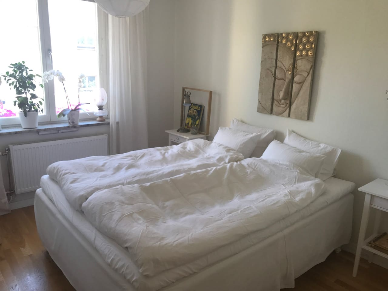 Your room during your stay:o) Bed for 2 people - 160x200 cm You will find shampoo, conditioner, body wash/soap, hairdryer and flattener. Hangers to hang clothes on Bed linen and towels Iron & ironboard  Free wifi/internet