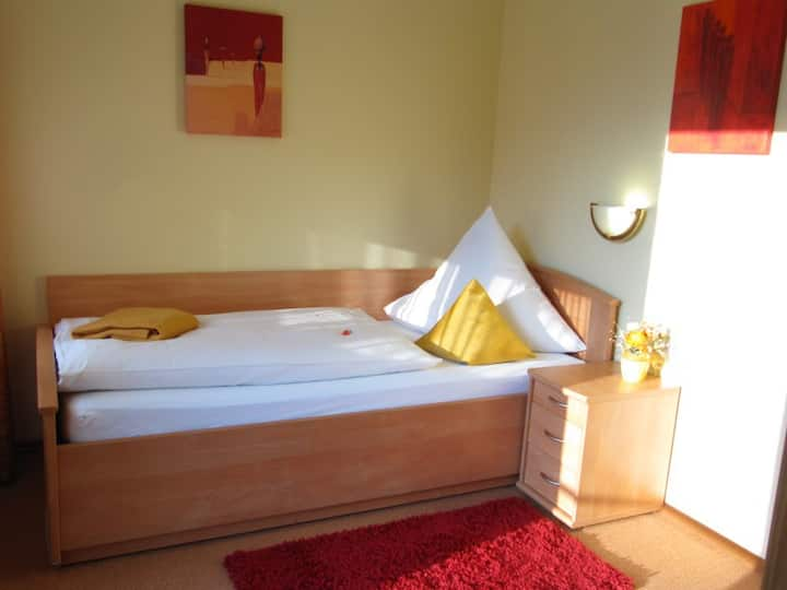 Hotel Gasthof am Selteltor, (Wiesensteig), Einzelzimmer mit Dusche und WC