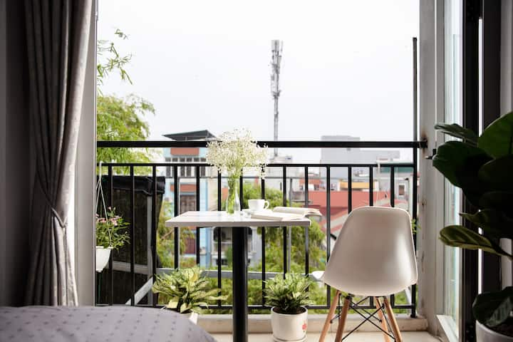 1 bedroom apartment with balcony/Lift/Kitchen