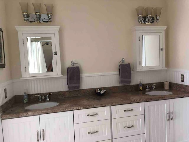 Dual sinks in the Master Suite.