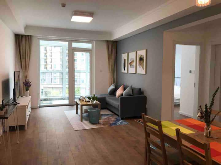 伴山小居  石老人 地铁口 北欧风 设计师精心打造 M-tain Apartment