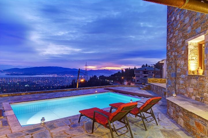 Villa Panorama view, pool & BBQ