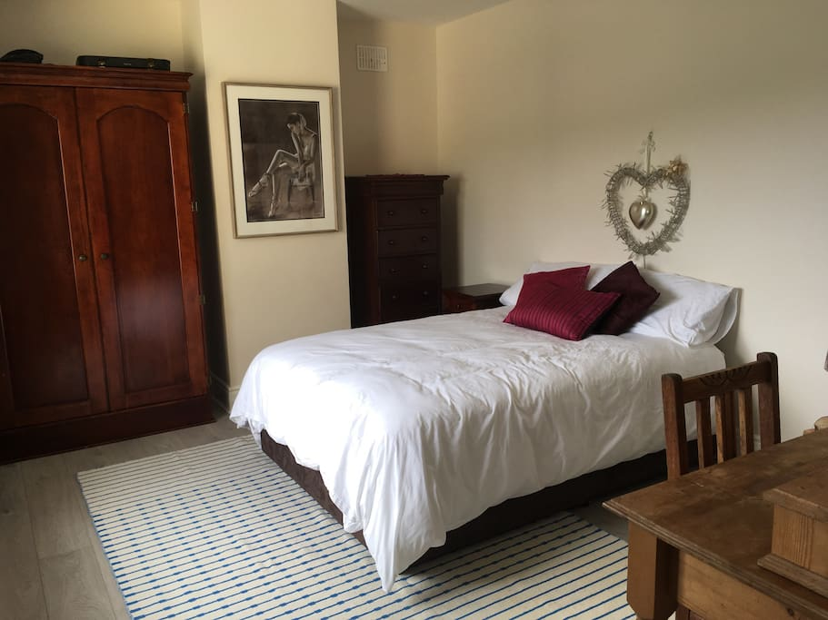 Master bedroom with ensuite with dingle bay views