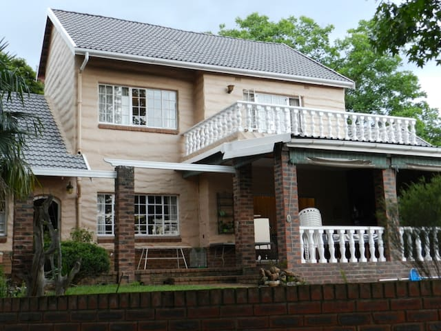 Quiet area near town center. - Pietermaritzburg - Hus