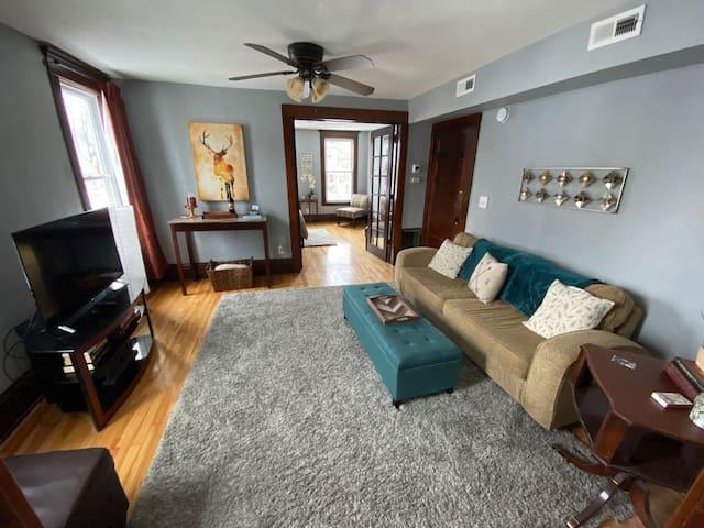 East Lake Street Escape- 1 bedroom apartment