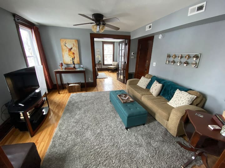 East Lake Street Escape- 1 bedroom apartment