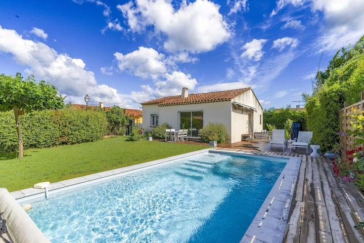 Gemütliches Ferienhaus mit Pool in La Roque-d'Anthéron