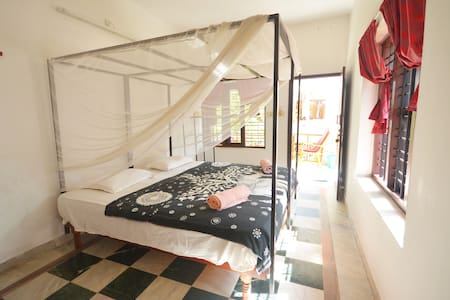 Cozy, Clean, Friendly Rooms Varkala North Cliff - Varkala - Bed & Breakfast