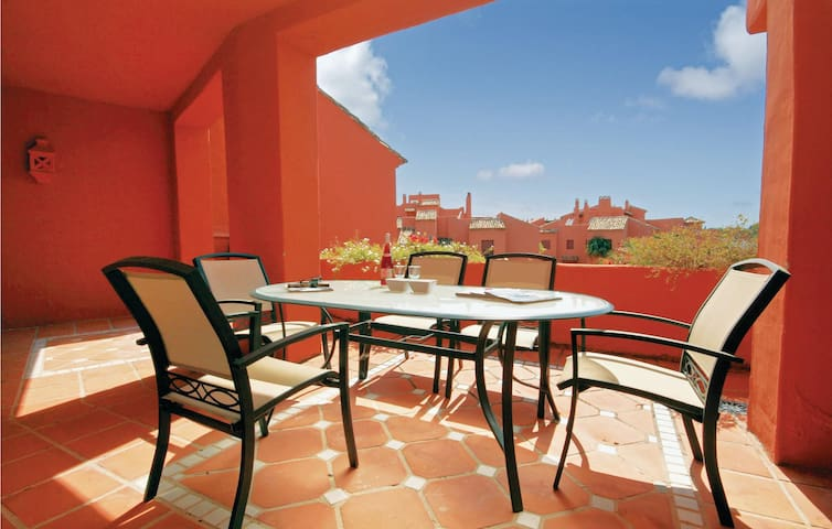 Holiday apartment with 4 bedrooms on 176m² in Marbella-El Rosario