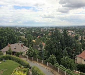 Villa in den Weinbergen mit Panorama von DresdenDG - Radebeul