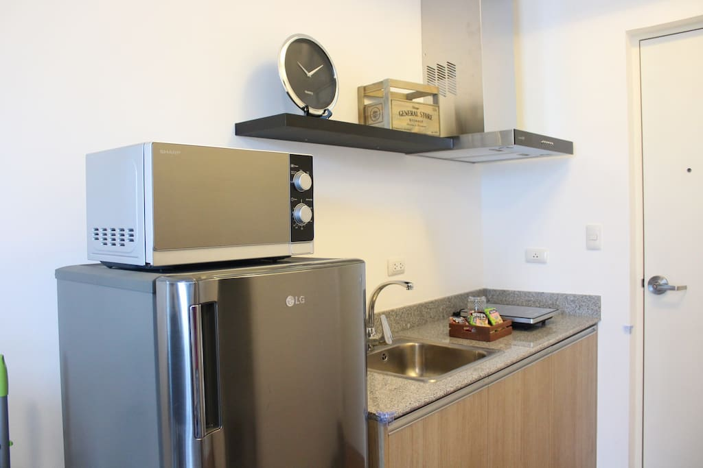 A fully equipped kitchen with everything you need to cook up a delicious meal!