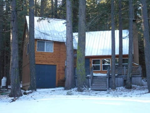 Prattville cabin 4 bdrm 2 bath, 2 blocks from lake