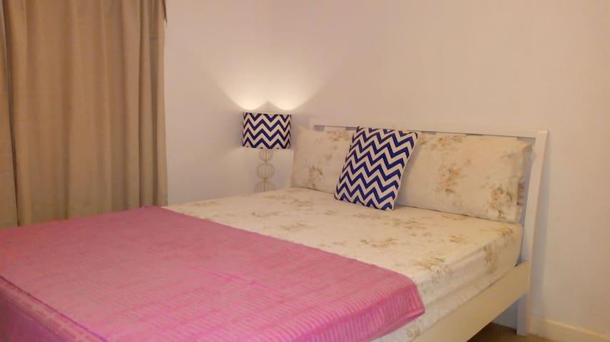 Cozy Private Double Room near Marquee Mall
