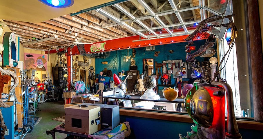 Eclectic Gallery Available for Small Gatherings
