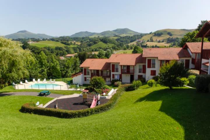 Logement confort et piscine chauffée au PaysBasque