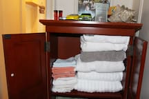 Count On Fresh Towels and Sheets.  Washed on-site with hypo allergenic detergent. Must Have!