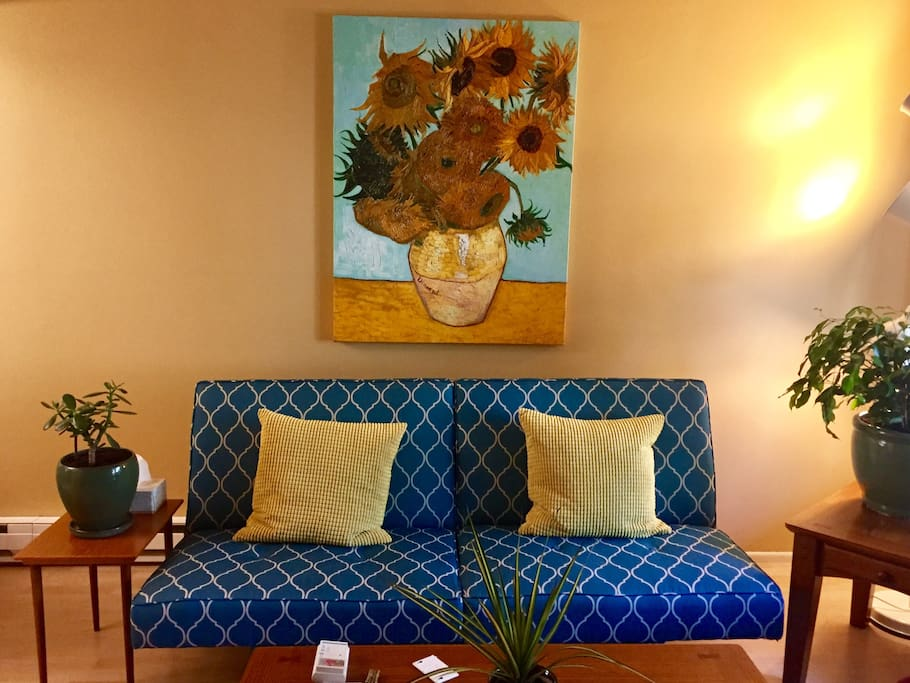 Warm and inviting decor awaits your stay.