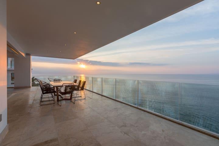 Sayan Beach - 3,000SF NEW Corner Condo - 9th floor