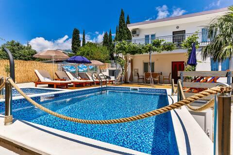 Villa MonteStellato with private swimming pool
