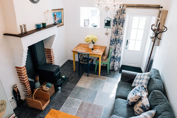Mini Maison Logeat.  Pretty hamlet cottage for two