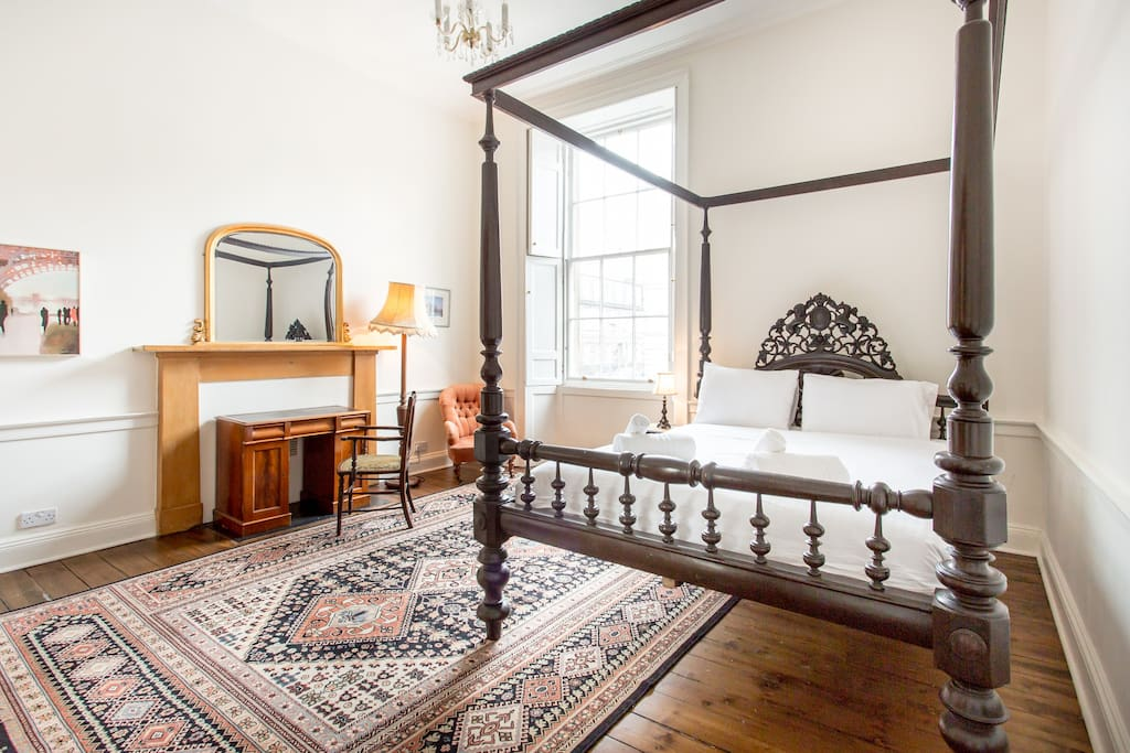 Second Bedroom , The antique Four Poster bed was formerly housed in Holyrood Palace