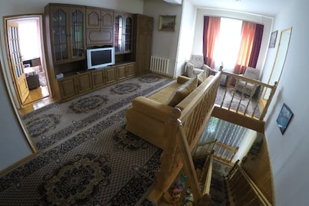 Большой дом недалеко от станции Зеленоградская - Pushkinsky District - Talo