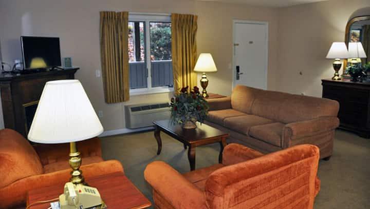 Comfy Condo, Rec Center Access, Fall Chairlift Rides at Shenandoah Villas at Massanutten Resort