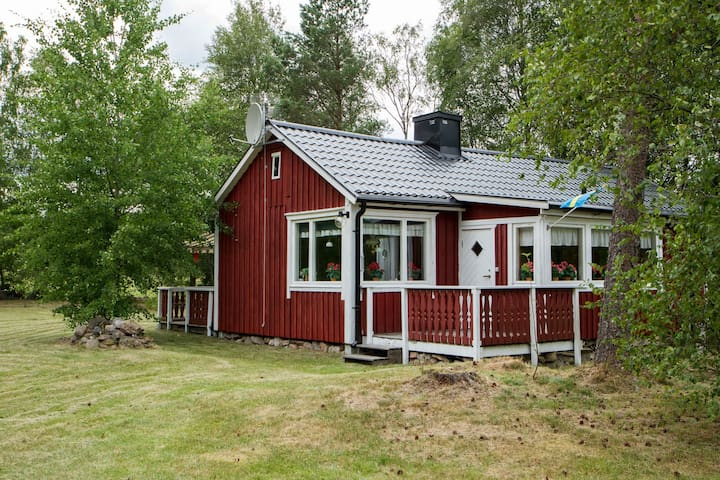Cosy summer cottage in the Småland countryside - Ljushult - Houten huisje