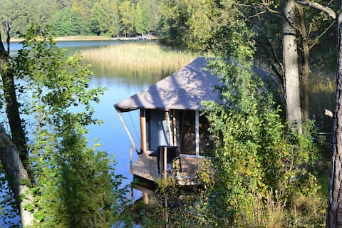 Wild private rest in the forest on the lake!