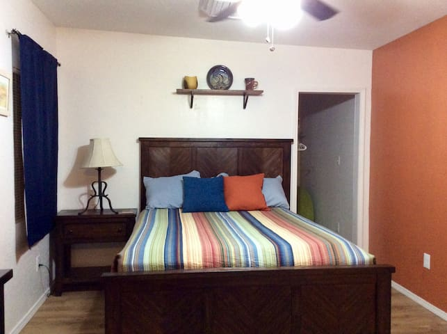 Newly Remodeled Southwest Studio - Albuquerque - Appartement