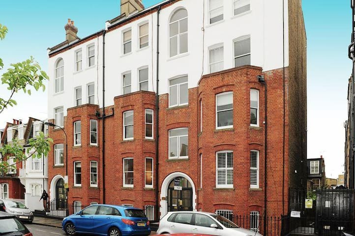 Double, Modern, Spacious Room - Beautiful Fulham