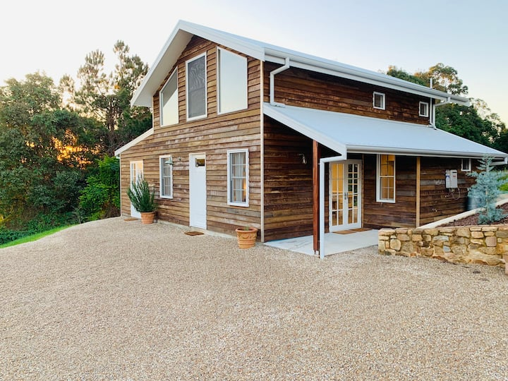 Ocean view barn house in the Byron Bay hinterland