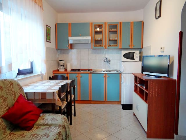 Apartment Štinjan *** 2+1 person,free 2x bicycles - Pula - Apartament