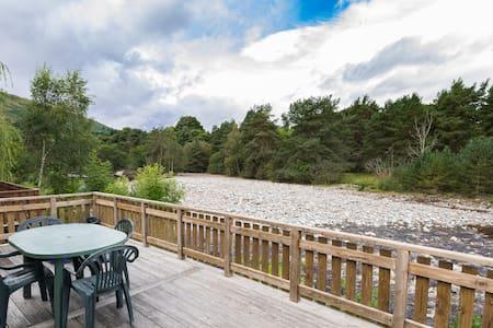 Riverside Lodge and Spa, sleeps 6, Blair Atholl - Bridge of Tilt - 木屋