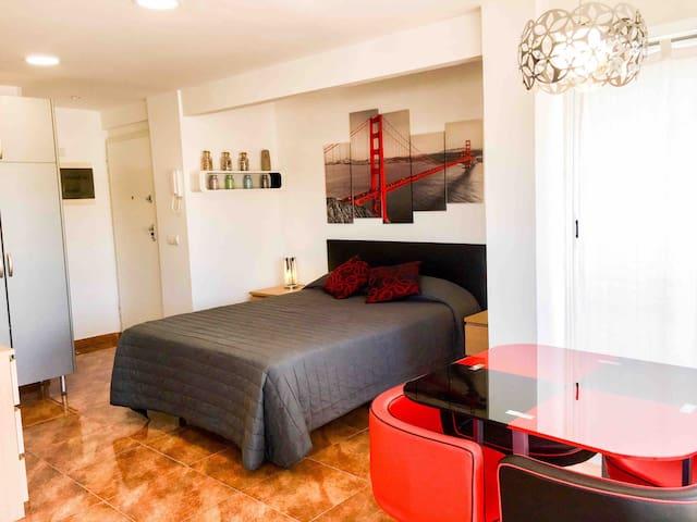 Cama de 150x200 con colchón y almohadas de viscolastica.