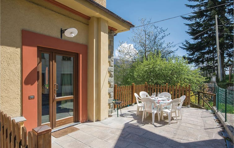 Holiday apartment with 2 bedrooms on 60m² in Cutigliano (PT)