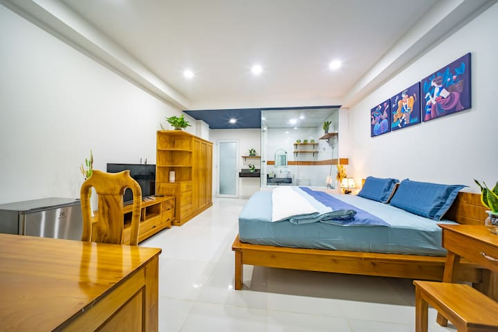 Experience SaiGon from Our COZY, Stylish Apartment