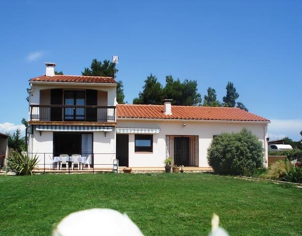 Villa climatisée 135m2 à 10mn des plages