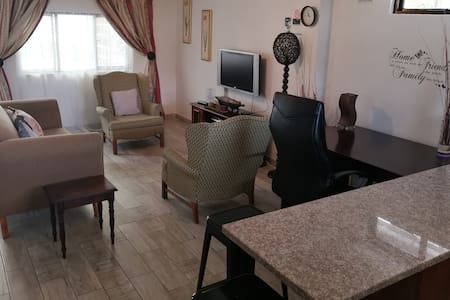 Entire Home-Apartment - Hillcrest- 5 Bed Family