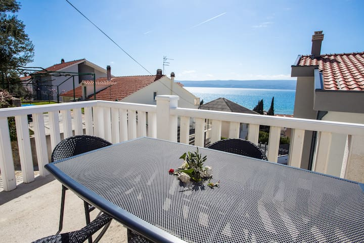 Apartments Magdales - Two Bedroom Apartment with Balcony A1