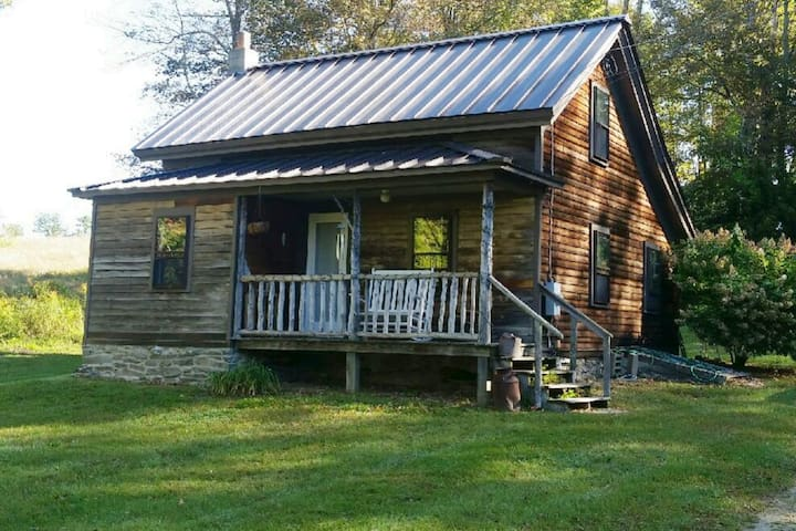 Sweet Cottage Near The Appalachian Trail!