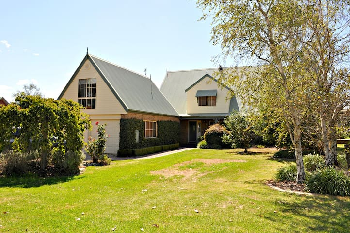Bairnsdale Fully Self-Contained 1 Bedroom Apt