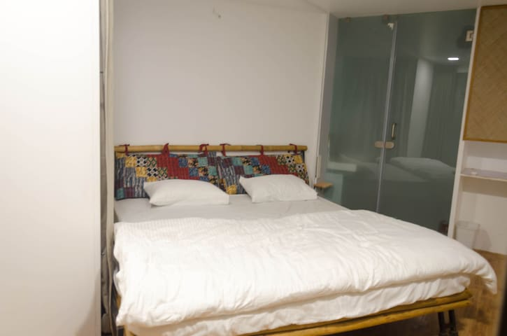 Ac Container Rooms  An Unique Stay at Pune