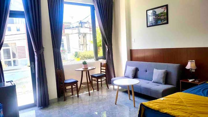 T201.Beside River*Large Balcony*Sofa Bed,G.Kitchen