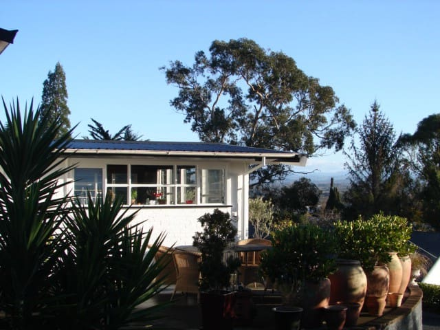 views 2 x double bed rooms on te mata peak - Havelock North - Rumah