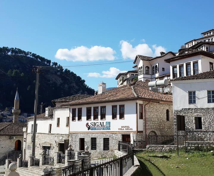 Vila Sigal Berat