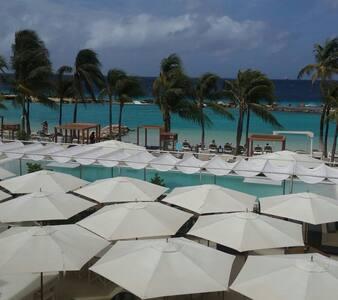 The Villa Curacao